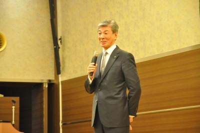 柳生塾長のスピーチを心待ちにしていた生徒・保護者が大勢いました。